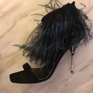 Brand new Louis Vuitton Feather Stilettos.